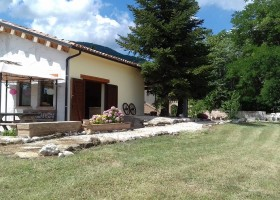 HuisopdeHeuvel in Le Marche, Italie veranda Huisopdeheuvel  30pluskids