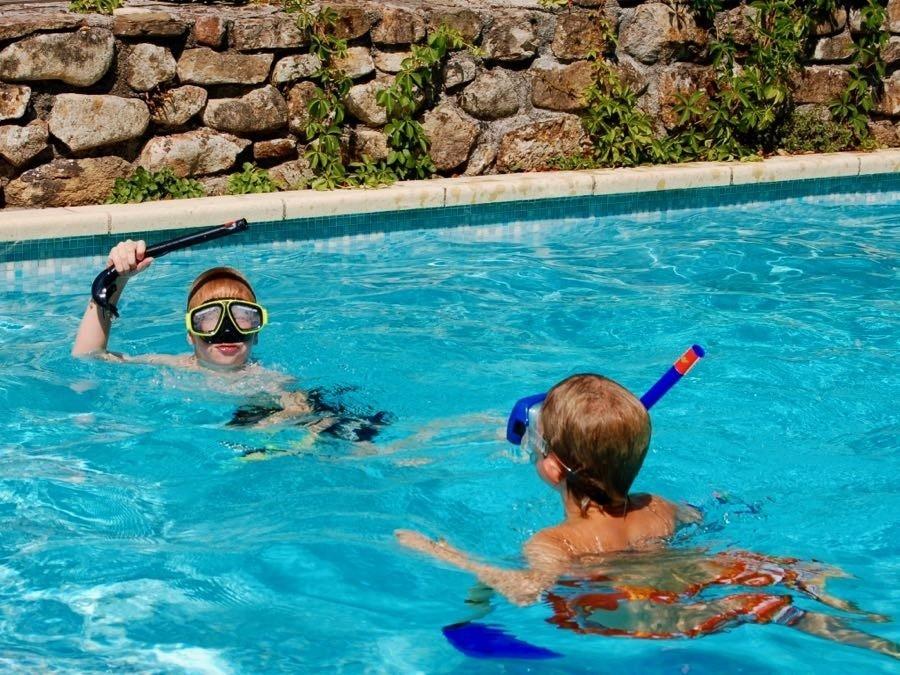 Le Moulin de Lande zwembadspel x.jpg Le Moulin de Lande 30pluskids image gallery