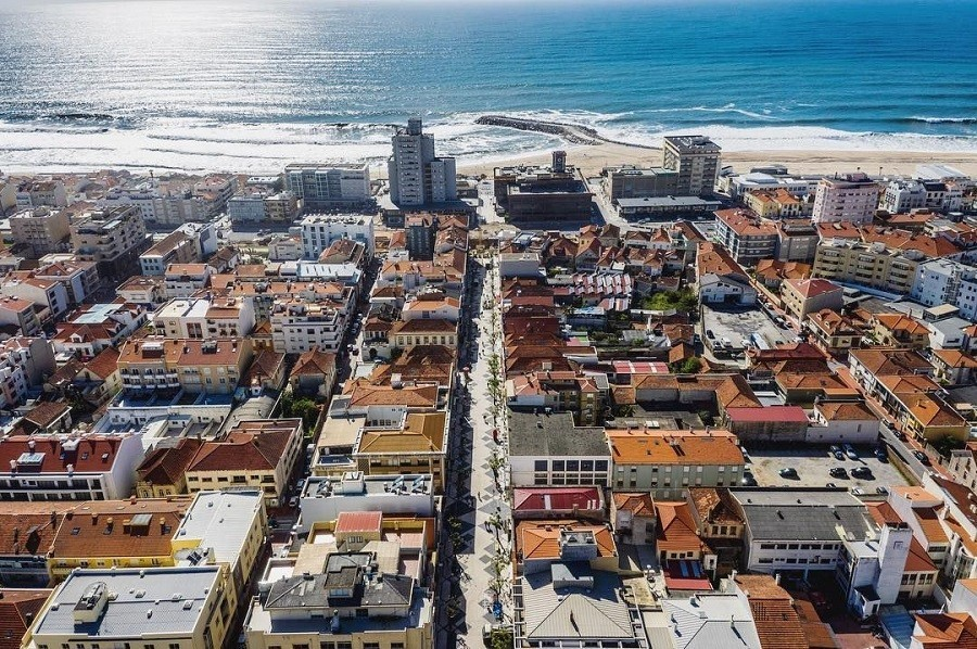 Travelnauts rondreis Noord-Portugal-esphino-bovenaanzicht-stad Rondreis Noord-Portugal 30pluskids image gallery