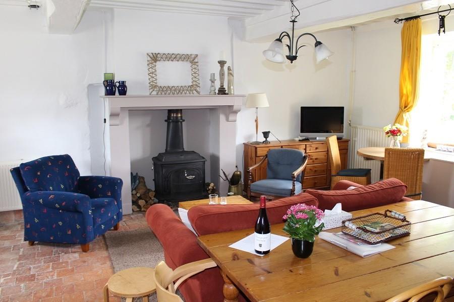 Vakantiehuis Bilok in de Bourgogne, Frankrijk gite woonkamer Vakantiehuis Bilok 30pluskids image gallery