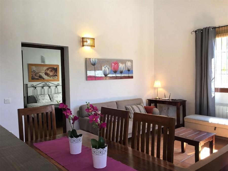 Casa Lobera in Andalusie, Spanje woonkamer Casa Lobera  30pluskids image gallery