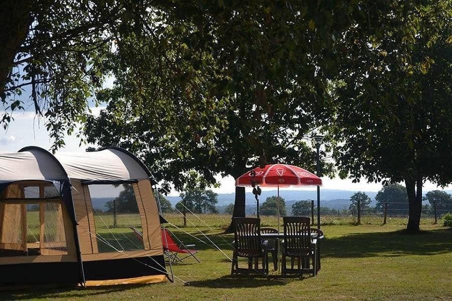 Camping Dun-le-Palestel, Frankrijk kamperen met uitzicht Camping Dun-le-Palestel 30pluskids image gallery