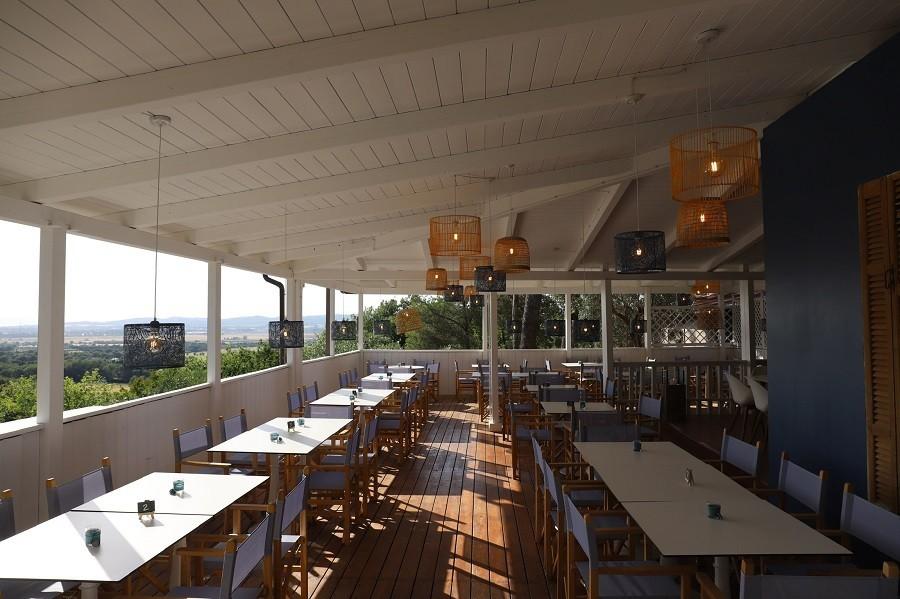 Tendi Vallicella restaurant met uitzicht Tendi op Vallicella Glamping Resort 30pluskids image gallery