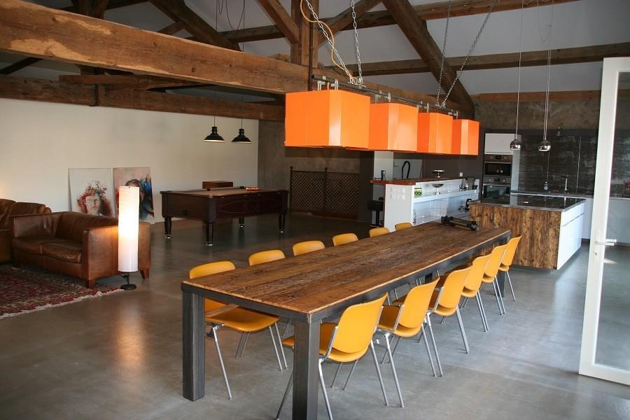 Domaine des Agnelles in de Aude, Frankrijk grote eettafel in keuken Domaine des Agnelles 30pluskids image gallery