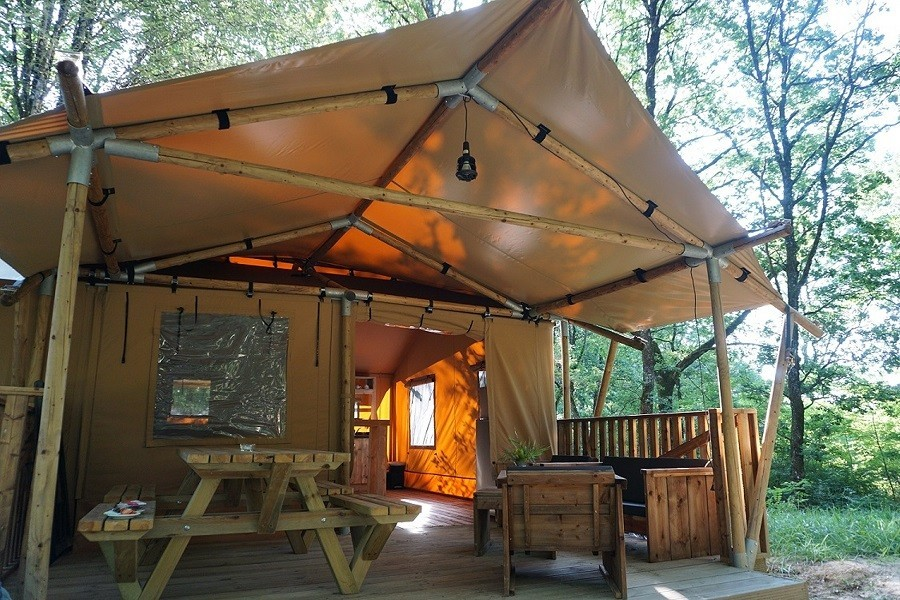 La Parenthese Camping Les Ormes in de Lot-et-Garonne, Frankrijk Luxury Lodge XL La Parenthèse – Camping Les Ormes  30pluskids image gallery