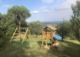 Case Leonori in Le Marche, Italie fruitgaard speeltoestellen 4 Agriturismo Case Leonori 30pluskids