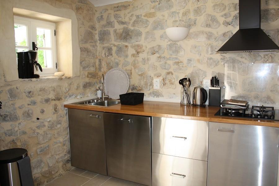 Gite Le Bel Endroit keuken 2 Gîte Le Bel Endroit 30pluskids image gallery