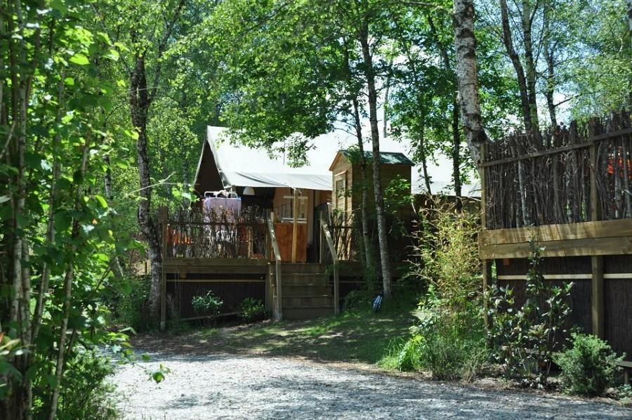 Camping Chantegril in de Correze, Frankrijk safaritent met sanitair Camping Chantegril 30pluskids image gallery