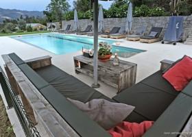 Casa Fontelheira zwembad met loungebank klein.jpg Casa Fontelheira 30pluskids