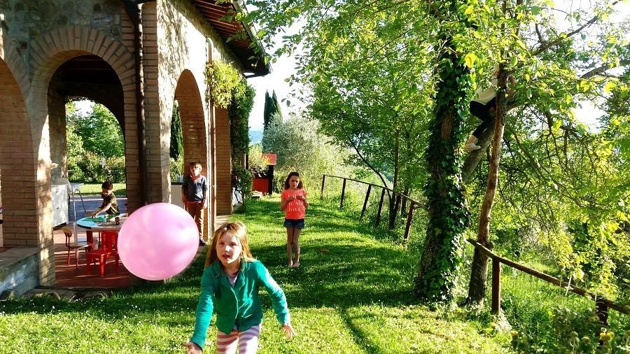 Casa San Carlo kinderen ballon.jpg Casa San Carlo  30pluskids image gallery