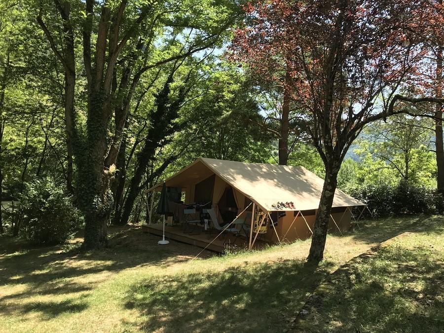 Camping Huttopia Gorges du Tarn in de Languedoc-Rousillon, Frankrijk huurtent Camping Huttopia Gorges du Tarn 30pluskids image gallery