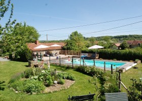 Le Petit Pauliat in de Auvergne, Frankrijk zwembad 3 Le Petit Pauliat 30pluskids