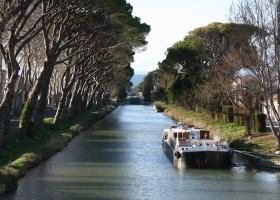 Domaine des Agnelles Canal du Midi.JPG Domaine des Agnelles 30pluskids