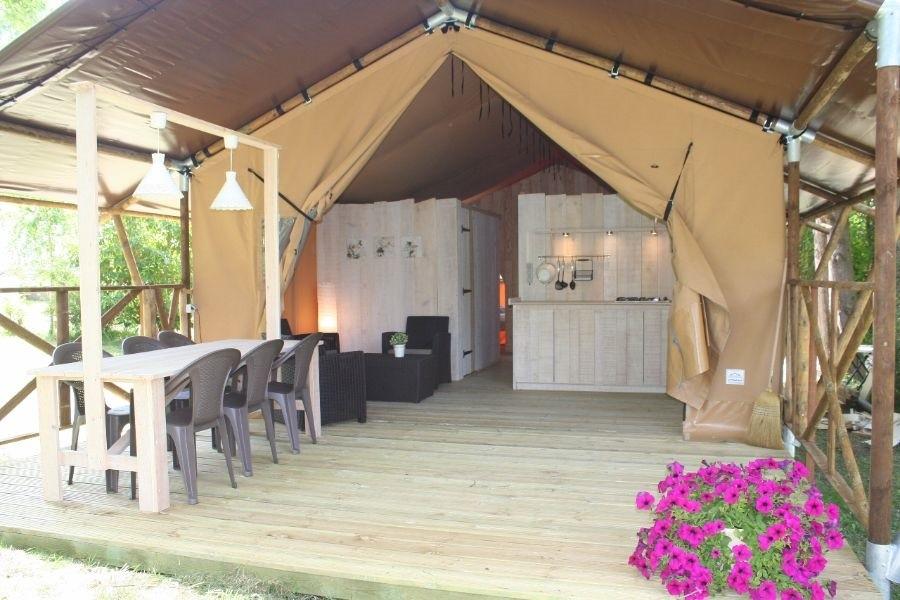 Camping des Arcades safaritent.jpg Camping Des Arcades 30pluskids image gallery