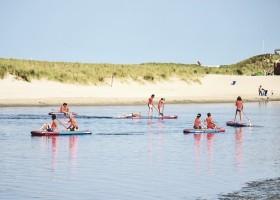 Laguna Beach in Schoorl, Nederland kinderen suppen Laguna beach 30pluskids