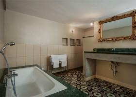 Domaine des Agnelles in de Aude, Frankrijk badkamer Domaine des Agnelles 30pluskids