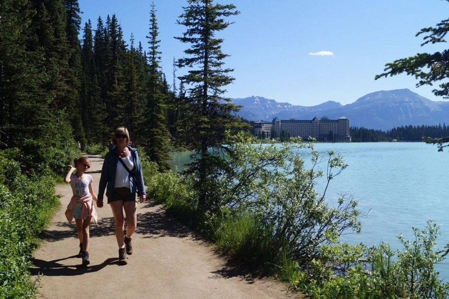 Travelnauts West-Canada - Lake Louise 2 x Travelnauts Canada  30pluskids image gallery
