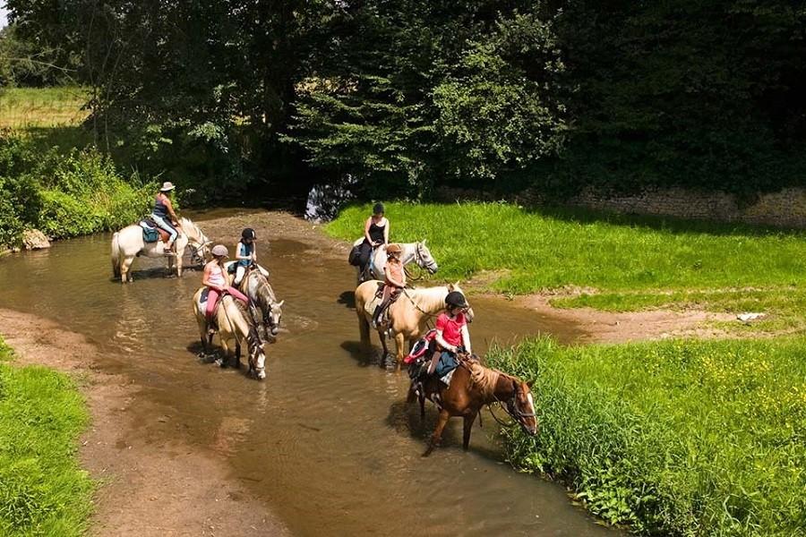 Camping Vallee de Lignac in Lignac, Frankrijk Ponyrijden in de Brenne Camping Vallée de Lignac 30pluskids image gallery