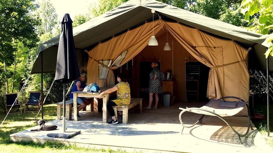 Tentensuite L'Anjou 1.jpg Camping l'Anjou 30pluskids image gallery