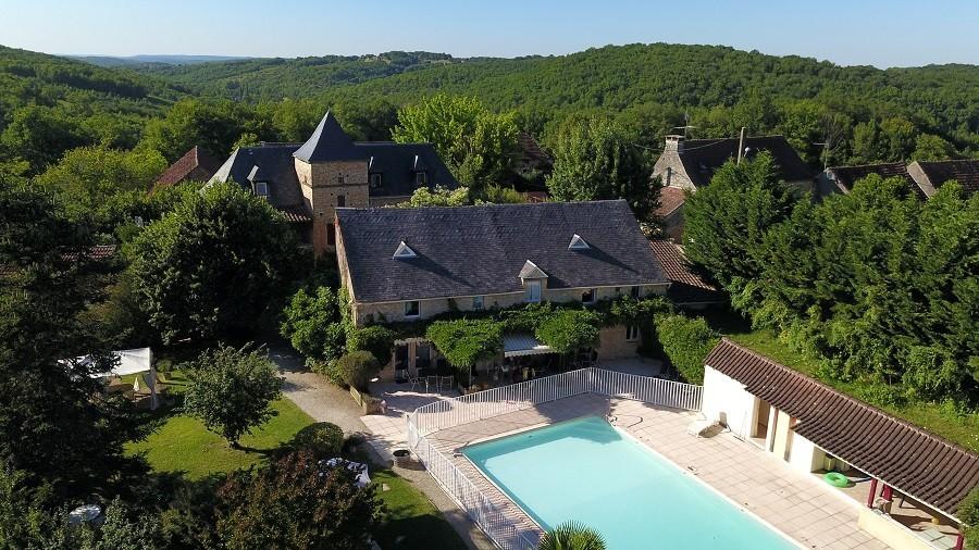 Domaine de Montsalvy in de Lot Frankrijk zwembad