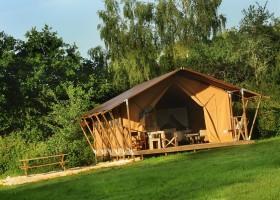Kimaro Farmhouse in de Bourgogne, Frankrijk safaritent Kimaro Farmhouse 30pluskids