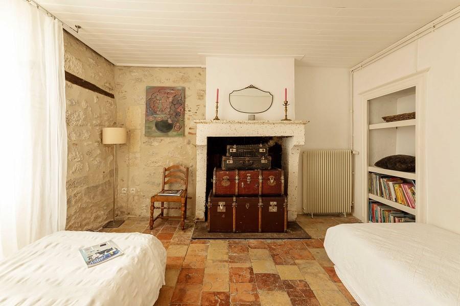 Maisons de Charme in Saint Martin de Gurson, Frankrijk slaapkamer eenpersoonsbedden Maison de Charme 30pluskids image gallery