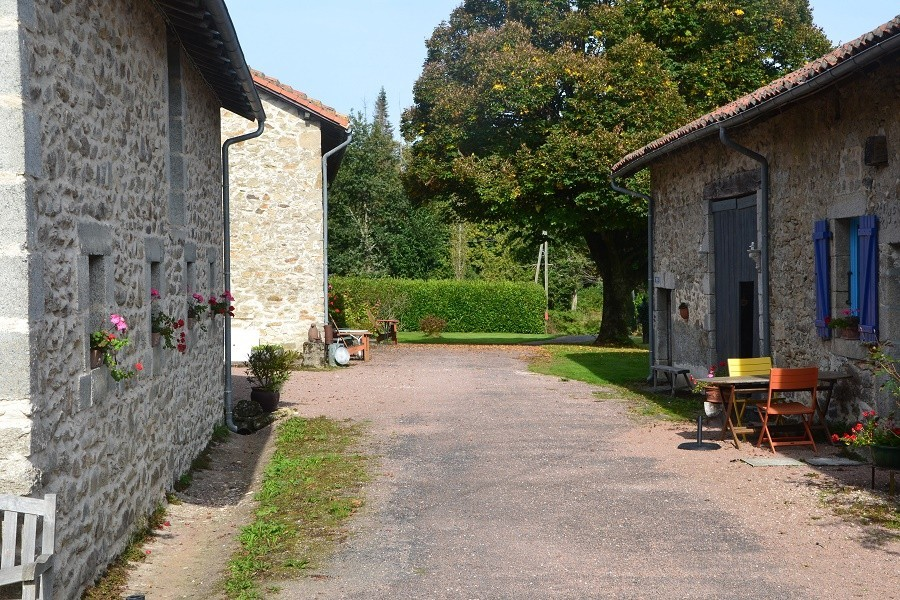 La Legerie in de Haute Vienne vlakbij de Dordogne, Frankrijk terrein La Lègerie 30pluskids image gallery