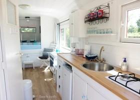 Dans le Jardin in de Bourgogne, Frankrijk keuken pipowagen Dans Le Jardin 30pluskids