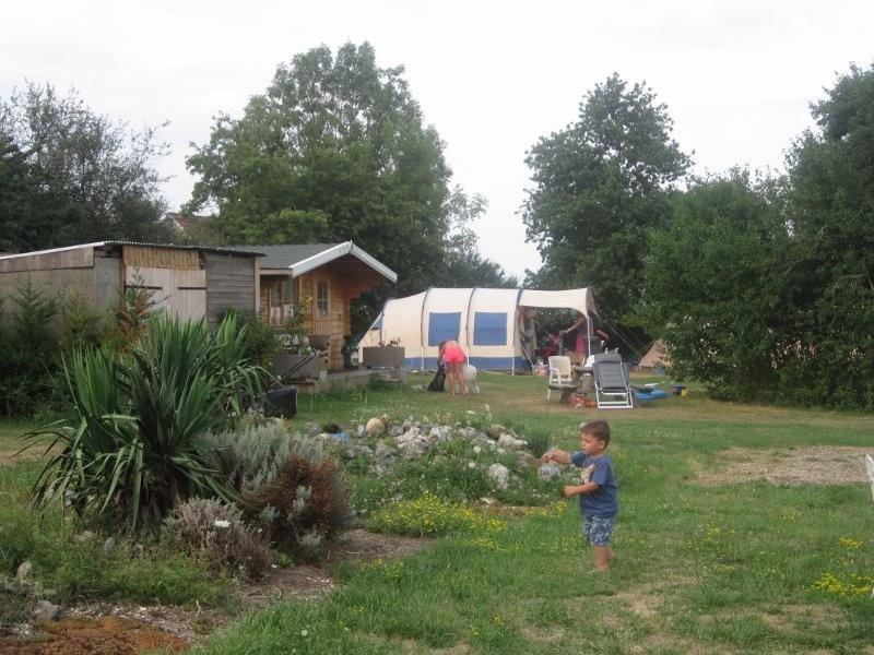 La Papillon Colibri kamperen met je eigen tent Camping & Glamping La Papillon Colibri 30pluskids image gallery