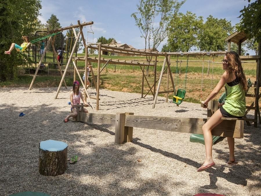 Castelwood in Biron, Frankrijk - speeltuin 15 Castelwood Vacances 30pluskids image gallery