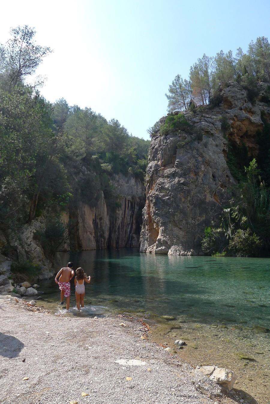 Stedentrip Valencia, Spanje bergdorpje Montanejos warmwaterbronnen Fuentes de los Baños