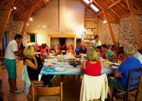 Les Renardieres eten met volwassenen.jpg Les Renardières 30pluskids
