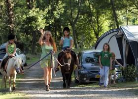 Camping les Charmilles Ardèche Frankrijk ponyrijden 15 Camping les Charmilles 30pluskids