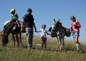 Altratoscana in Toscane, Italie gezin met ezels Altratoscana 30pluskids