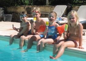 Gouts de Provence zwembad met kids.jpg Domaine Goûts de Provence 30pluskids