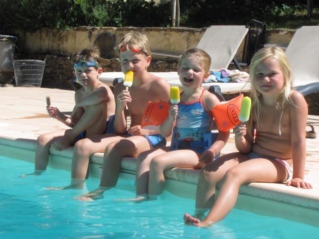 Gouts de Provence zwembad met kids.jpg Domaine Goûts de Provence 30pluskids image gallery