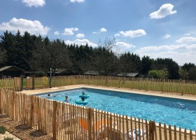 Domaine Le Bost in de Dordogne, Frankrijk zwembad en safaritenten Domaine Le Bost 30pluskids