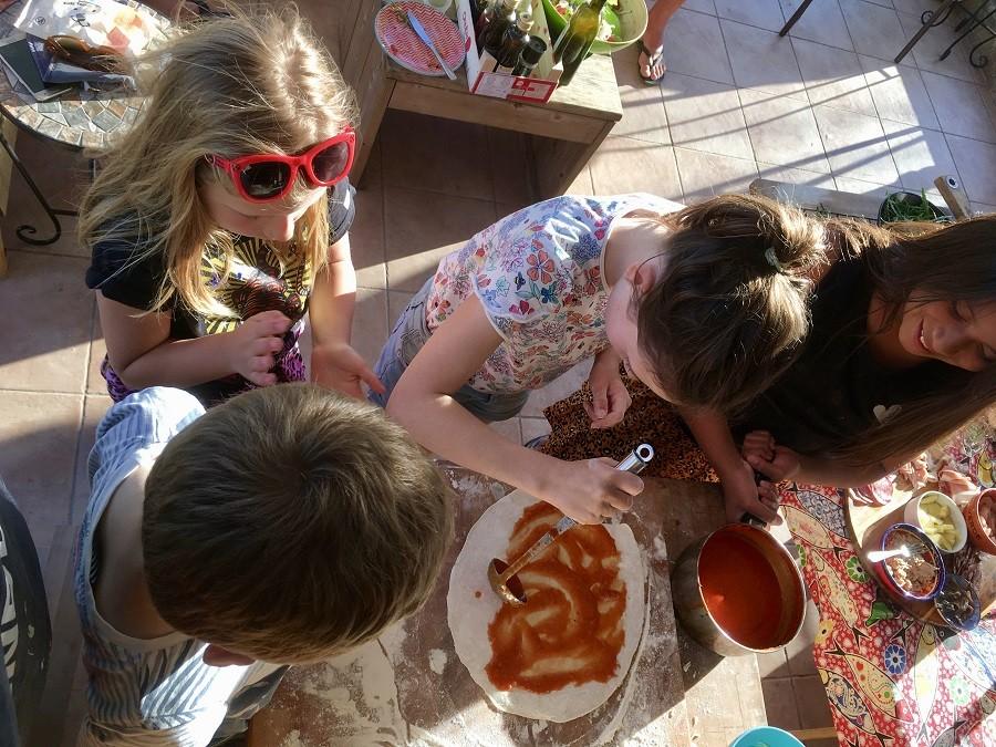 Quinta Vida Verde in Macieira Almoster, Portugal kinderen maken pizza Quinta Vida Verde 30pluskids image gallery