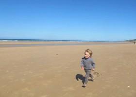 Toddler Holidays Beach.jpg La Ferme de Longues 30pluskids