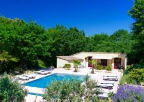 Gouts de Provence in de Provence, Frankrijk zwembad Domaine Goûts de Provence 30pluskids