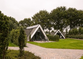 Aquamarijn in Drenthe, Nederland huisje met terras De Aquamarijn 30pluskids