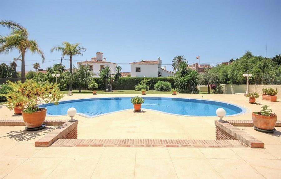 Villa Marbella in Andalusie, Spanje zwembad Villa Marbella 30pluskids image gallery