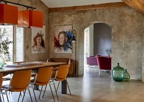 Domaine des Agnelles in de Aude, Frankrijk LOFT eettafel Domaine des Agnelles 30pluskids