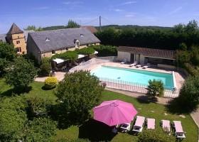 Domaine de Montsalvy in de Lot Frankrijk huis met zwembad Domaine de Montsalvy 30pluskids