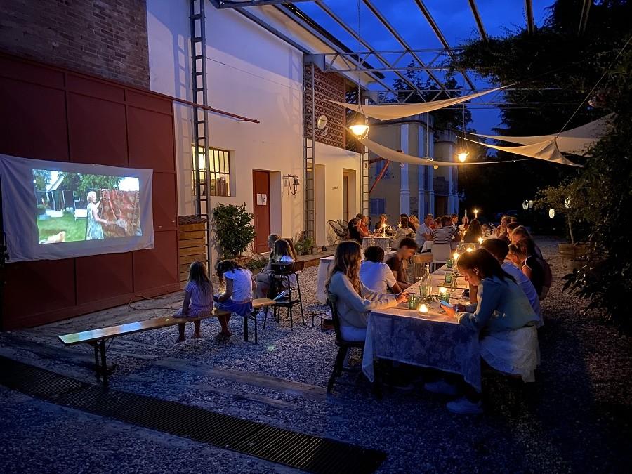 Tenuta Il Castelletto in Nizza Monferrato, Italie eten en film kijken