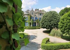 Le Pavillon de St Agnan in de Dordogne, Frankrijk tuin Le Pavillon de St. Agnan 30pluskids