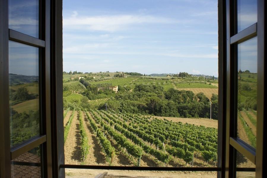Partingoli in Toscane, Italie uitzicht over de Toscaanse heuvels Piazza Pinokkio 30pluskids image gallery