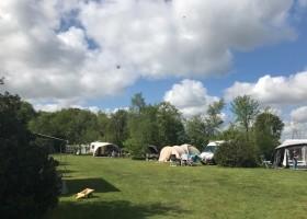 D'Olde Kamp in Drenthe, Nederland kampeerveld d'Olde Kamp recreatie 30pluskids