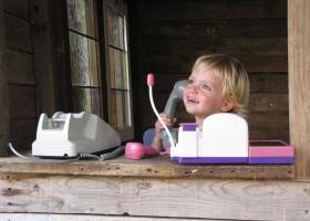 Le Petit Pauliat in de Auvergne, Frankrijk kindje in speelhuisje 10 Le Petit Pauliat 30pluskids