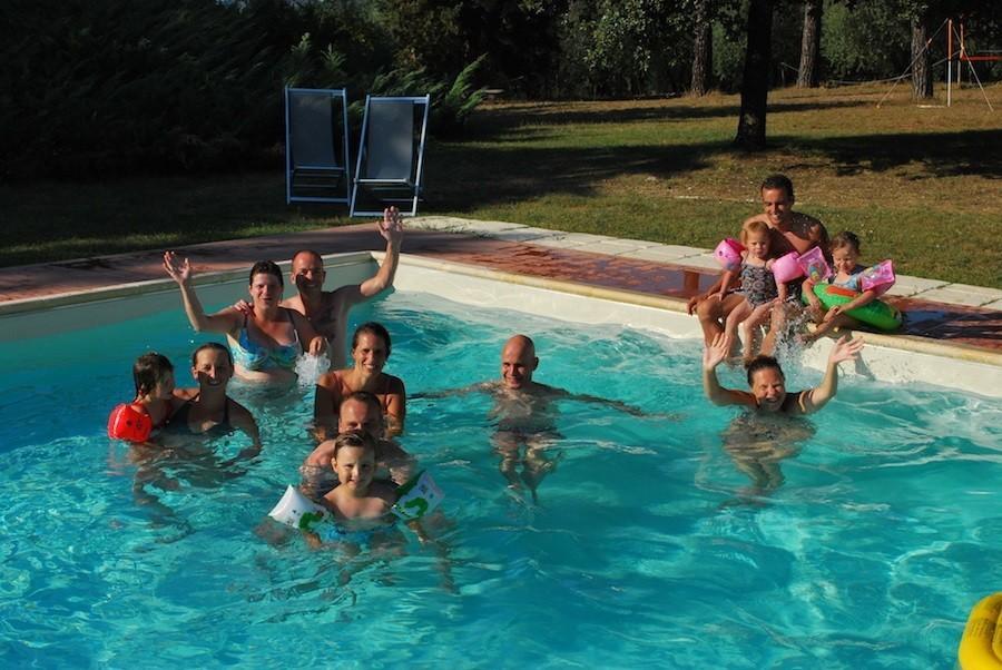 Piazza Pinokkio in Toscane, Italie pret in het zwembad Piazza Pinokkio 30pluskids image gallery